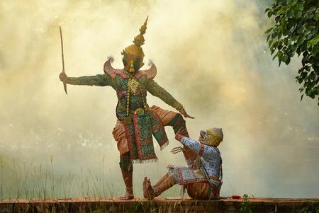 Two masked dancers performing Thai Khon pantomime, Thailand LANG_EVOIMAGES