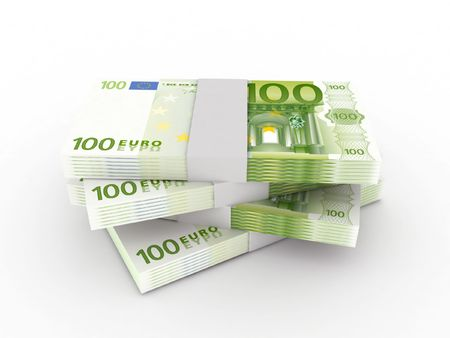 dinero euros: Pila de billetes de 100 euros aislados sobre fondo blanco. Procesamiento de 3d de alta calidad.  Foto de archivo