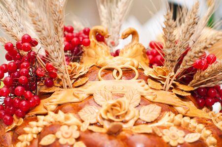 guelderrose: National wedding loaf with guelder-rose, swans, rings and salt Stock Photo