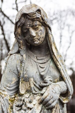 dead woman: Old cemetery marble sculpture of the young girl.