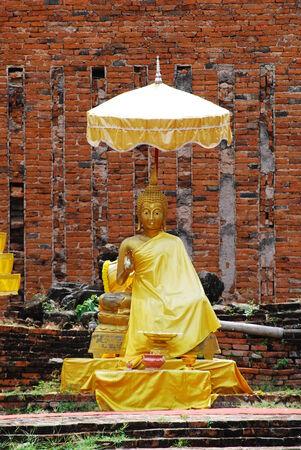 godliness: Golden Buddha Statue in ayudthaya, Thailand