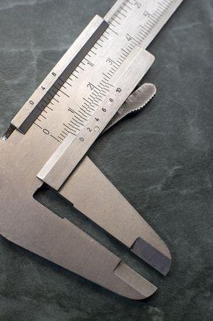 milimetr: precyzyjne narzędzia wykonane ze stali, cali i milimetra, szczegółowo fotografia Zdjęcie Seryjne