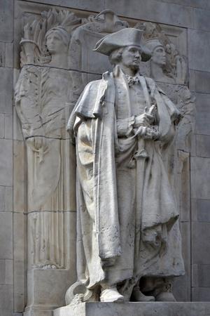 george washington: George Washington como comandante en jefe, la estatua de Washington Square Arch en Nueva York Foto de archivo