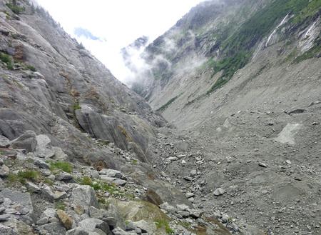 Montenvers view from the Ice Cave on the Sea of Ice Glacier -  Mont Blanc massif, Chamonix, French Alps, France, Europe Vista da Montenvers, Caverna di Ghiaccio nel Mer de Glace Imagens