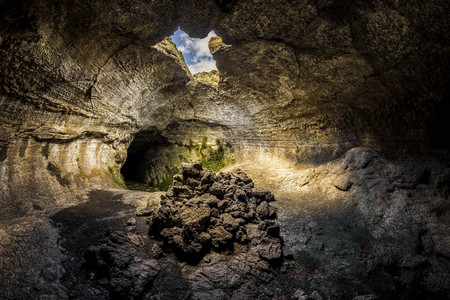 The impressive lava tunnels that form one of the most beautiful caves of Etna. The colors, suggestive shapes, the amazing natures creation