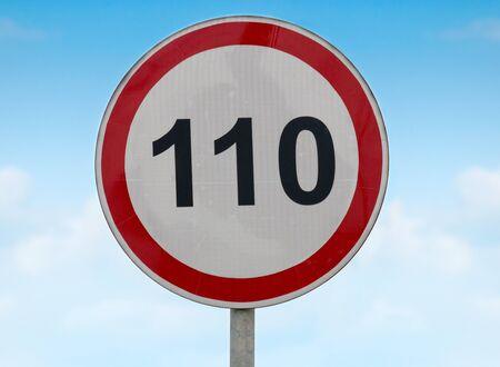 exceeding: El signo del l�mite de velocidad en las carreteras