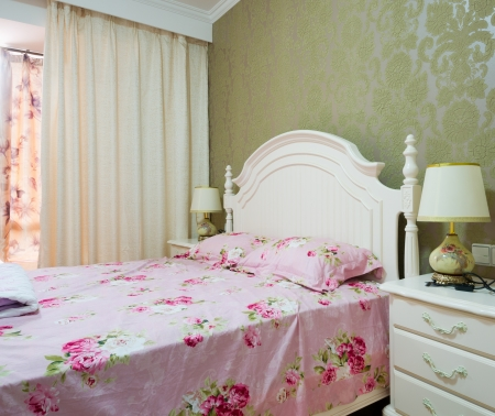 forniture: bedroom with classic forniture
