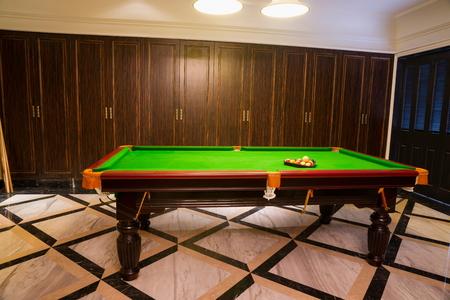snooker room: sala da biliardo in un club Archivio Fotografico
