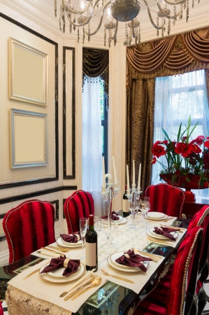 luxury dining room with very nice decoration Stock Photo - 24283181
