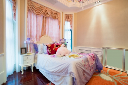 luxury bedroom with nice decoration Stock Photo - 24283198