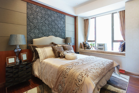 Luxus Schlafzimmer Mit Schönen Dekoration Standard Bild   35604389