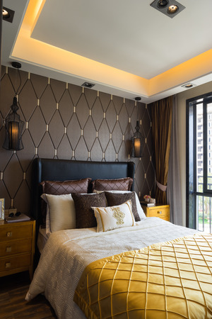 luxury bedroom: luxury bedroom with nice decoration