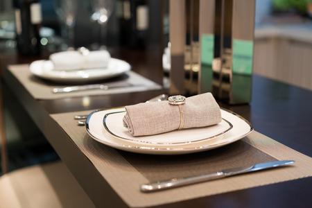 case moderne: Il bel tavolo in sala da pranzo