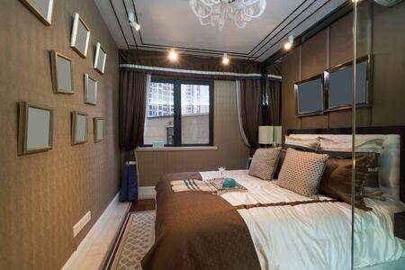 case moderne: la bella camera da letto con la decorazione di lusso