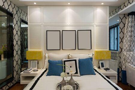 luxury bedroom: luxury bedroom with nice decoration