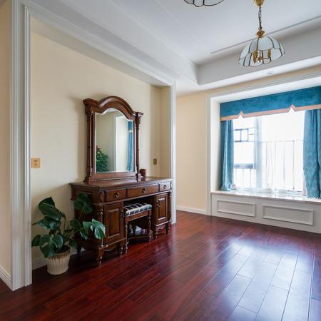 the dresser in luxury bedroom Standard-Bild