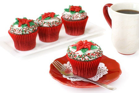 flor de pascua: Chocolate con pastelitos de Navidad decorado Foto de archivo