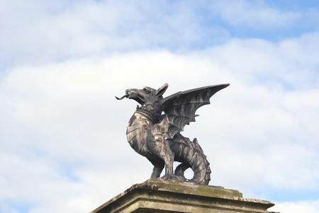 griffin: griffin statue
