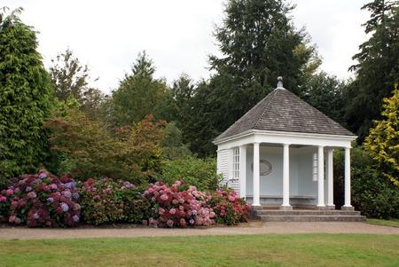 tuinhuis: oude zomerhuis