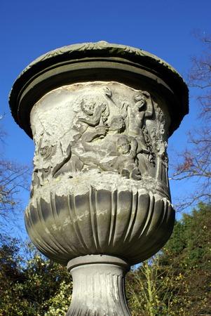 urn: sculptured urn