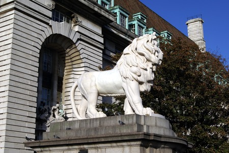 Coade Lion au pont de Westminster à Londres en Angleterre Banque d'images - 39879827