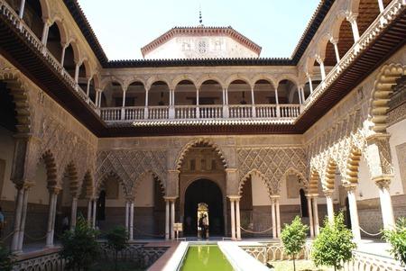 alcazar: The Courtyard of the Maidens, Alcazar of Seville, Reales Alcazares de Sevilla, Royal Alcazars of Seville, Seville, Andalusia, Spain