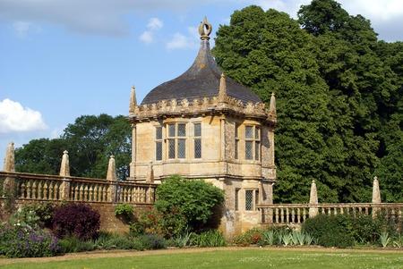 gatehouse: Garden