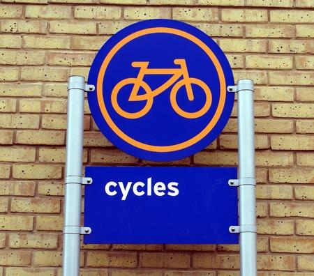 cycles: signo ciclos zona de aparcamiento