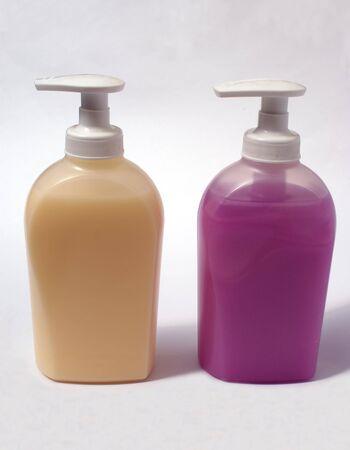 lavamanos: art�culos de aseo. botellas de lavado de manos. jab�n l�quido. recipientes de lavado a mano Foto de archivo