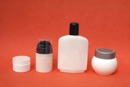 cremas faciales: cremas. humectante para la piel. productos de belleza. productos para el cuidado corporal