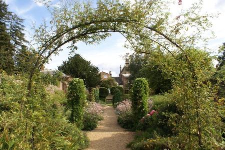 archway: garden archway