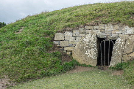 co  meath: Ancient stone structure in Ireland
