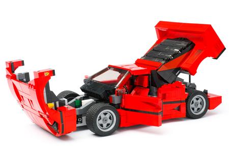 creador: Tambov, Russian Federation - January 03, 2016 LEGO Creator Expert Ferrari F40 car with open hood, doors and trunk on white background. Studio shot.