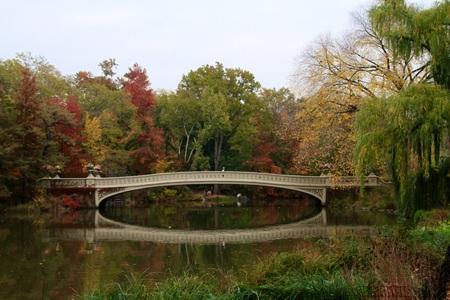 Bow bridge in Central Park, New York City Stock Photo