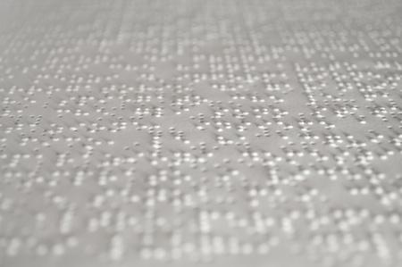 persiana: Foglio di un libro scritto in caratteri Braille