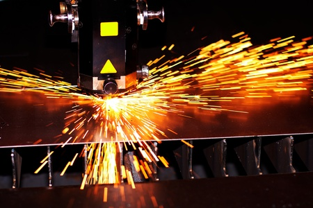 laser cutting: Industrial laser