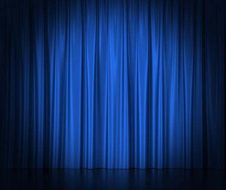Blauw zijden gordijnen voor het theater en de bioscoop spotlit licht in het centrum
