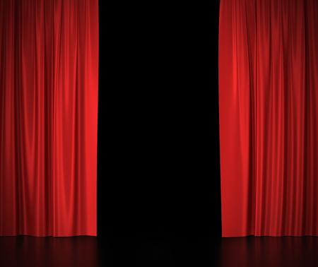 Open rode zijden gordijnen voor het theater en de bioscoop spotlit licht in het centrum Stockfoto