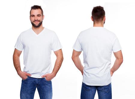 camisa: Camiseta blanca en una plantilla joven en el fondo blanco