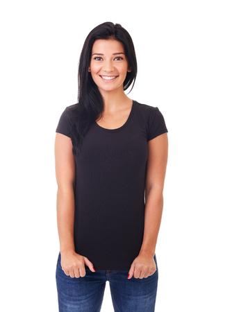 Sourire femme en t-shirt noir sur un fond blanc Banque d'images