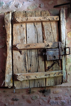 salir puerta: Primer plano de la imagen de las puertas antiguas Foto de archivo