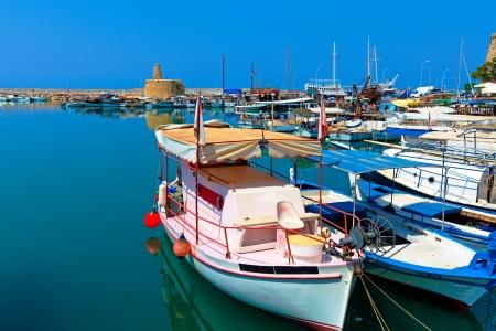 Marina and Kyrenia Castle (16th c.), North Cyprus 版權商用圖片 - 15464326