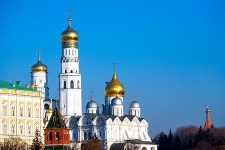 sobor: Cathedral of the Archangel Michael (Archangelskiy sobor) (1508) and Ivan the Great bell tower, Kremlin, Russia Stock Photo