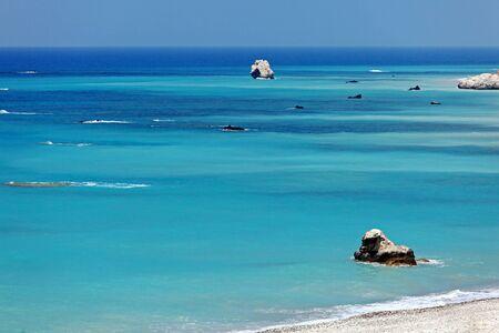afrodita: Rocas de Afrodita, Bithplace de la diosa del amor, Paphos, Chipre, tambi�n llamada Petra tou Romiou Foto de archivo