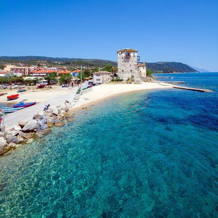 grecia antigua: Torre Phospfori en Ouranopolis, Pen�nsula del Monte Athos, el Monte Athos, Calc�dica, Grecia Editorial
