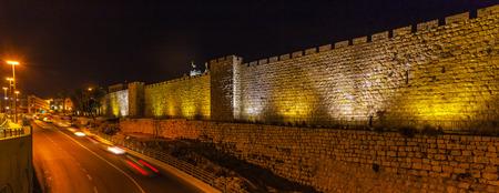 야간, 예루살렘, 이스라엘의 고대 도시의 성벽