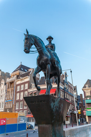 wilhelmina: AMSTERDAM, NETHERLANDS - APRIL 3, 2008: The equestrian statue of Queen Wilhelmina  located on Rokin street
