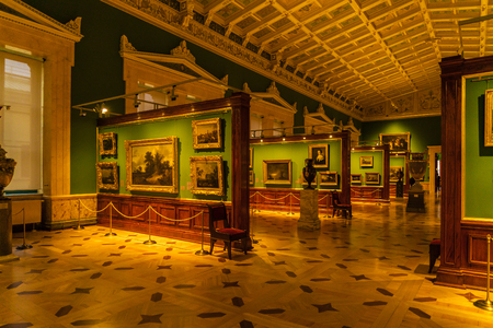 bodegones: SAINT PETERSBURG, RUSSIA - DECEMBER 25, 2016: Hall Dutch paintings with landscapes and still lifes at the Hermitage Museum Editorial