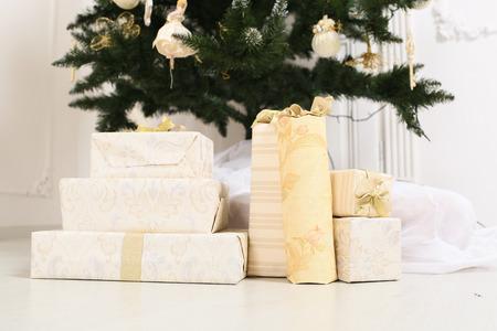 christmas tree presents: chrismas presents under a tree