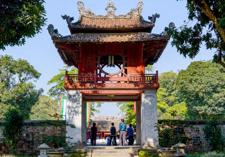 The Temple of Literature Van Mieu in Hanoi, Vietnam and chinese pagoda. Stockfoto